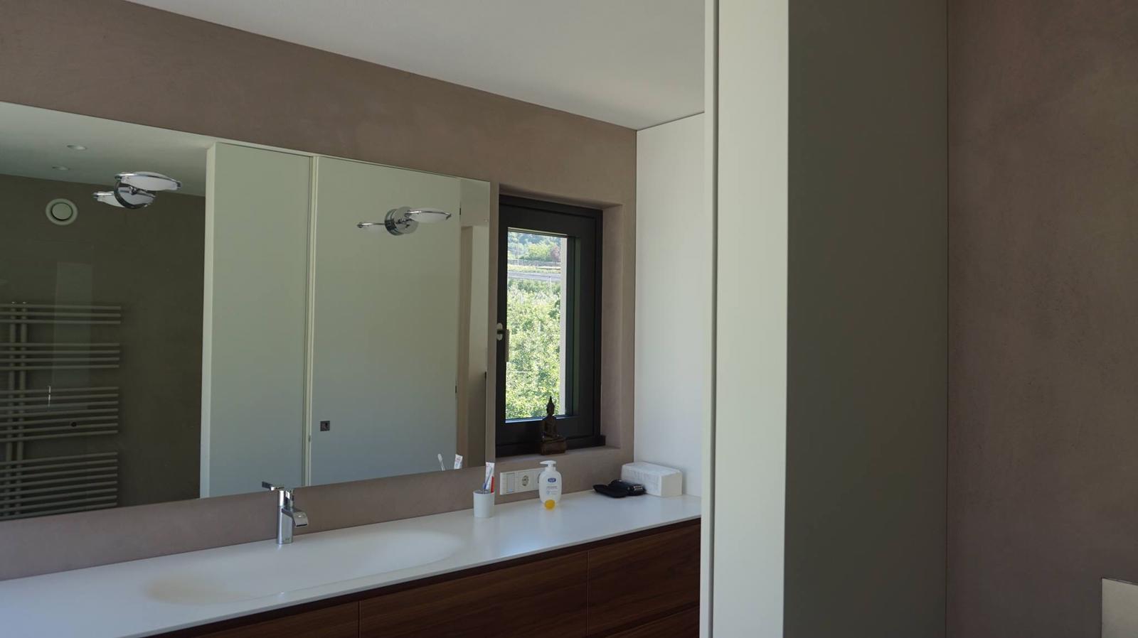 pavimento in resina effetto spatolato velato miroitaly. Black Bedroom Furniture Sets. Home Design Ideas